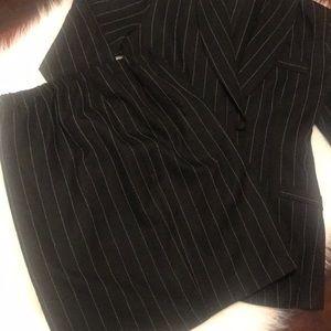 ✨ 2pc Skirt Suit ✨